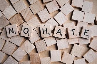 Projekt gegen Hasspostings